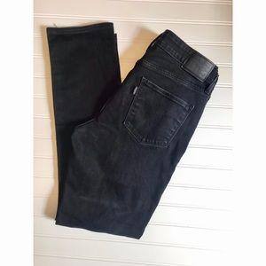 Levi's mid-rise skinny black jeans sz 8